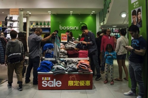 Chinese Tourists Shun Shopping As They Spend Even More